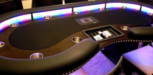 5 Poker Gadgets (or Accessories) You Need Right Now