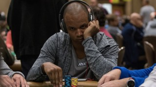 Phil Ivey 2016 Main Event Day1C