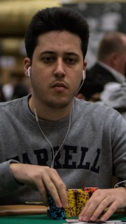 Adrian Mateos Day2C Main Event2
