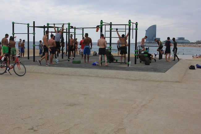 barcelona beach gym