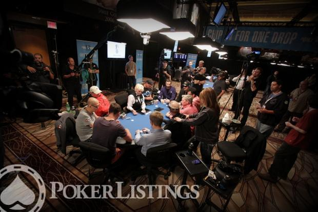 The 10-handed final table