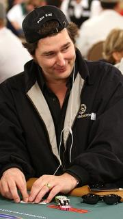 CroppedImage180320 phil hellmuth 2915 How to Not Suck at PLO: Don't Overvalue Aces