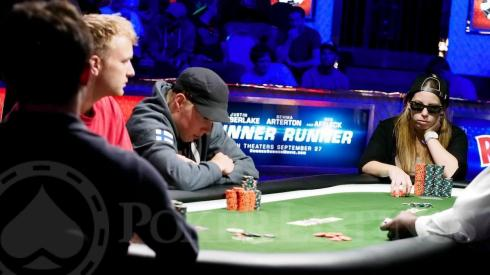 Loni Harwood at Final Table
