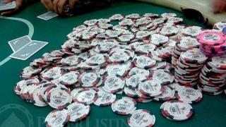 $50k pot scooped by Mark Newhouse