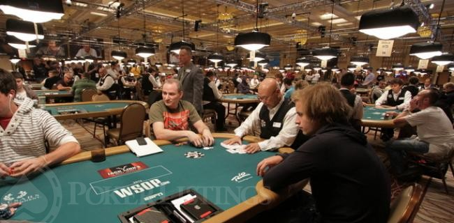 "Viktor ""Isildur1"" Blom Touches Down at WSOP 2012"