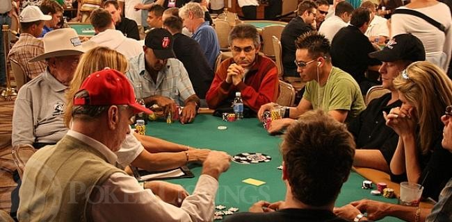 Rookie meets poker star in the hallways of the Rio