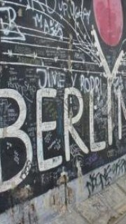 10136070 the berlin wall