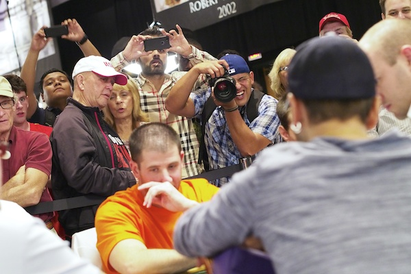 3104-Daniel-Negreanu-and-the-Rail.jpg