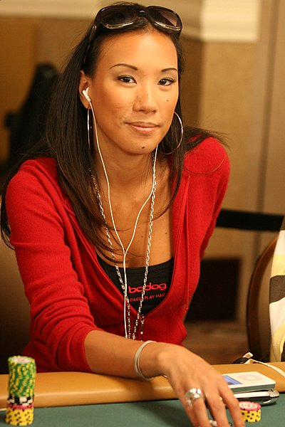 Evelyn Ng - Evybabee - Poker Player - PokerListings.com