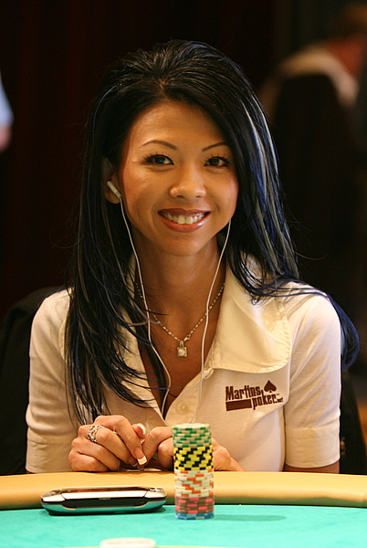 Texas Calculator Online >> Liz Lieu - Poker Diva - Poker Player - PokerListings.com