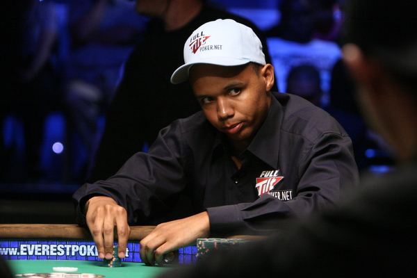 Phil Ivey and the best bluffs